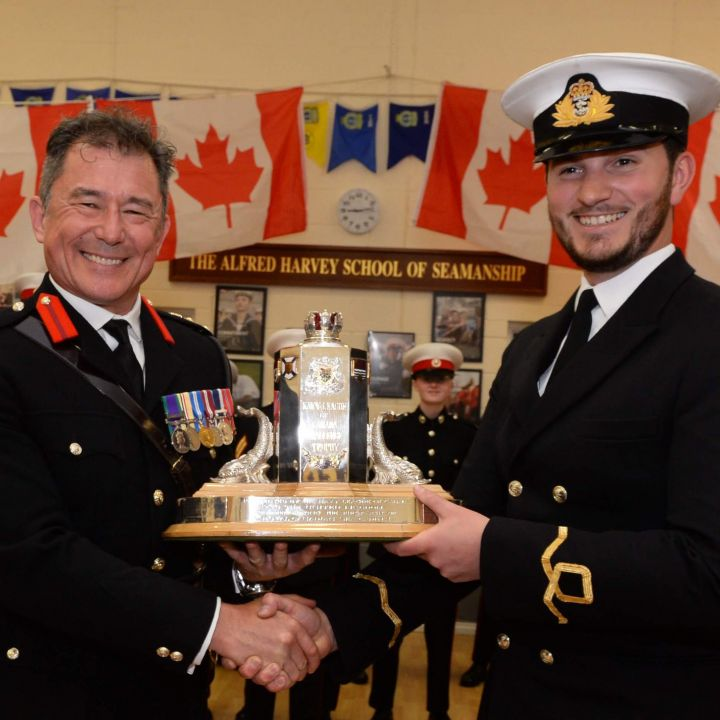 Presentation Canada Trophy - BEST Unit in the UK