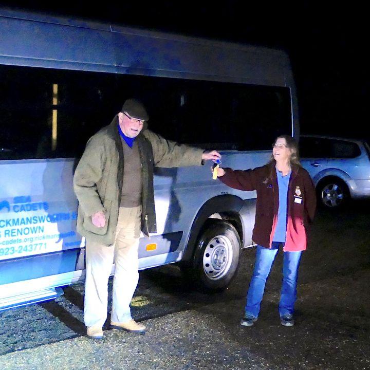TS Renown Get a Minibus